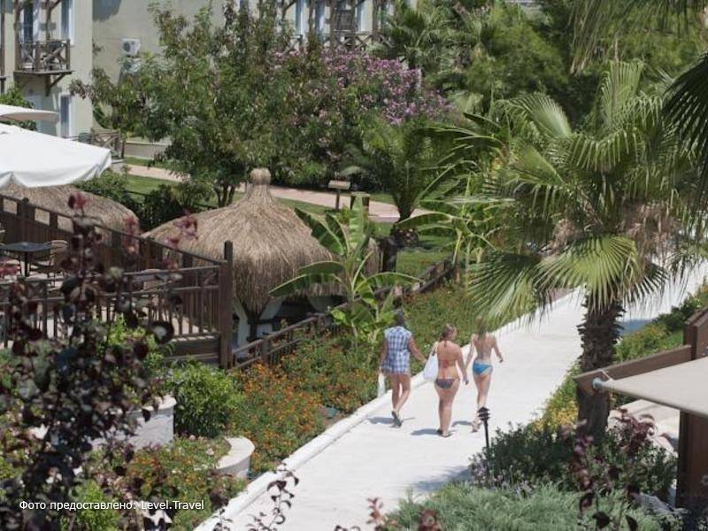 Фотография Crystal Flora Beach Resort