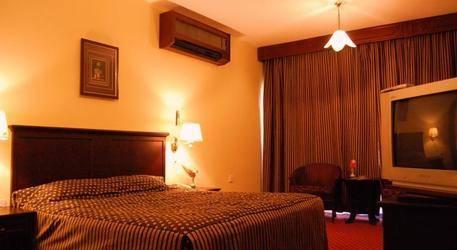 Dubai Palm Hotel 3*