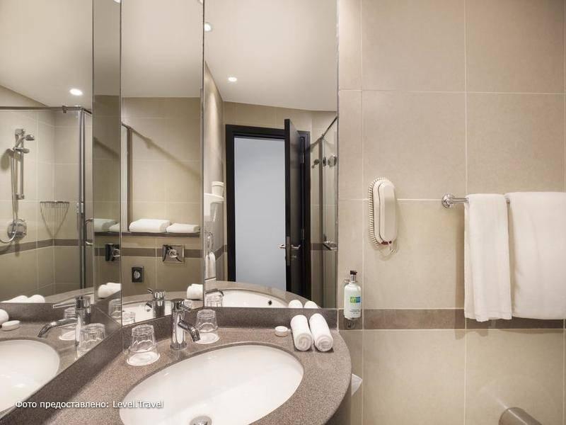 Фотография Holiday Inn Express Dubai Airport