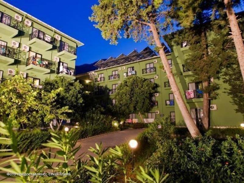 Фотография Larissa Hotel