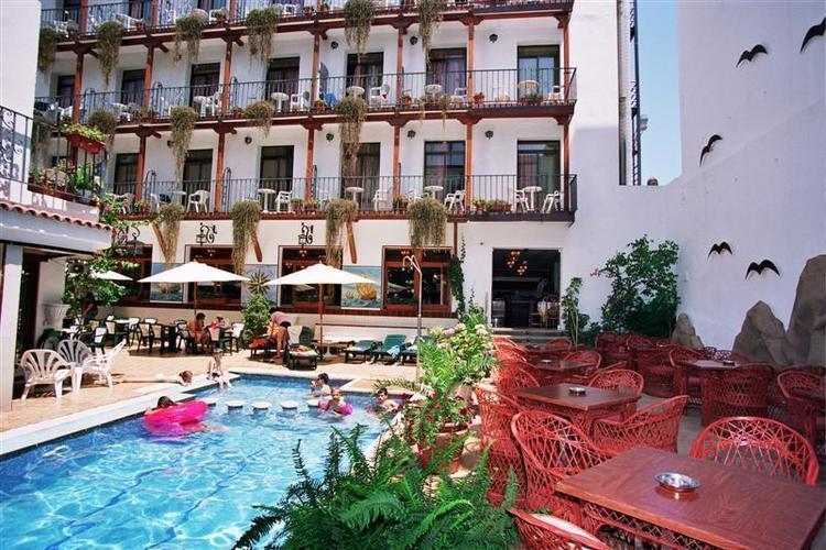 Neptuno Calella Hotel