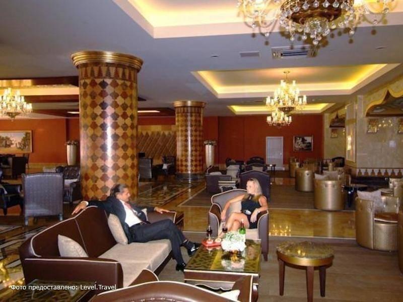 Фотография Royal Alhambra Palace Hotel