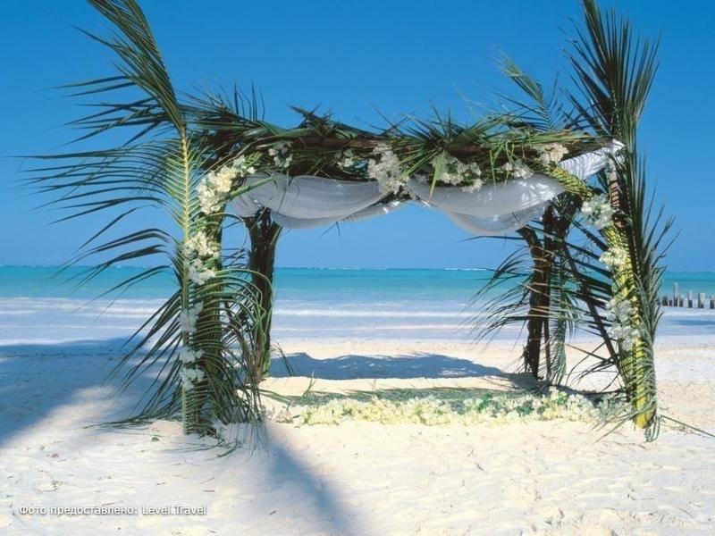 Фотография Breezes Beach Club & Spa