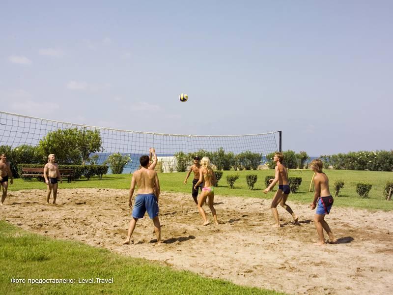 Фотография Fun&Sun Life Side ( Ex. Iron Ambassador Side Beach )