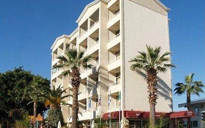Estella Apartments 2*