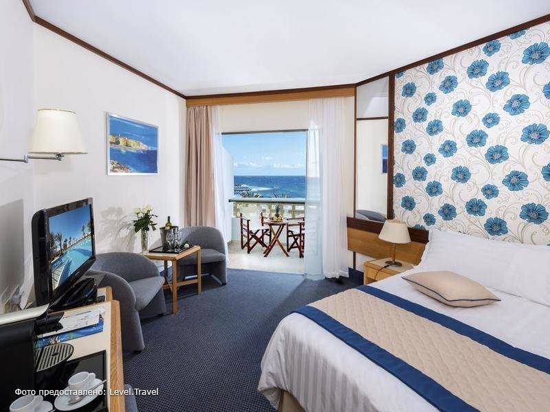 Фотография Constantinou Bros Athena Royal Beach Hotel (Adults Only 16+)