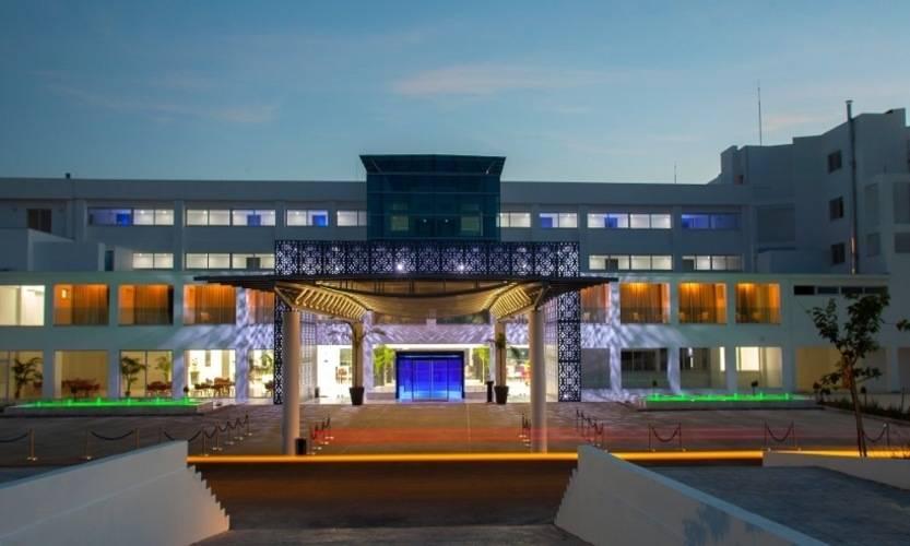 King Evelthon Hotel