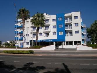 Maistros Hotel Apts Class A 4*