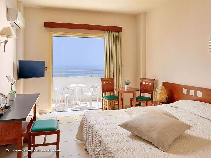 Фотография Iris Beach Hotel