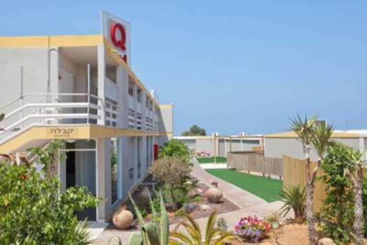 Q Hotel Village