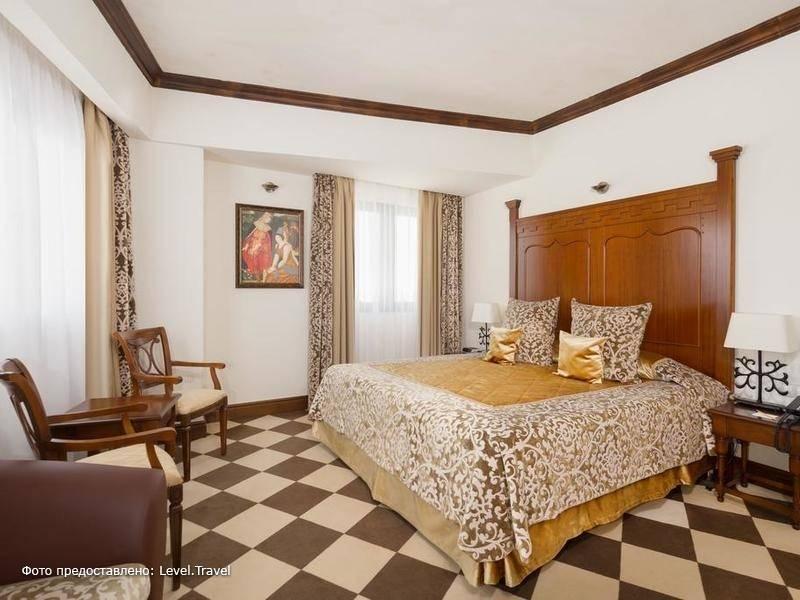 Фотография Богатырь Отель-Замок