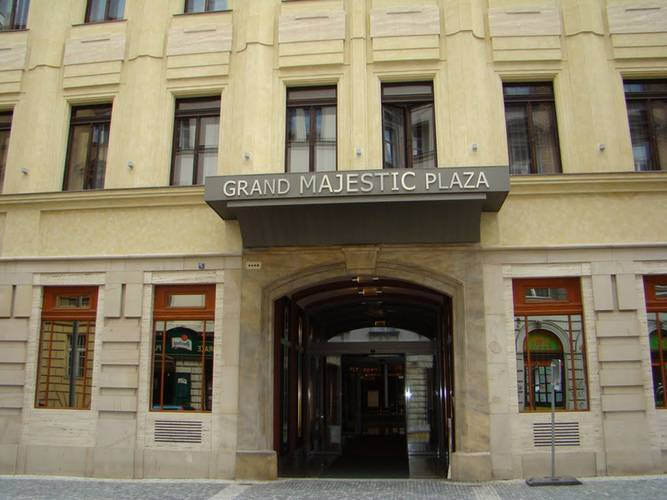 Grand Majestic Plaza Hotel