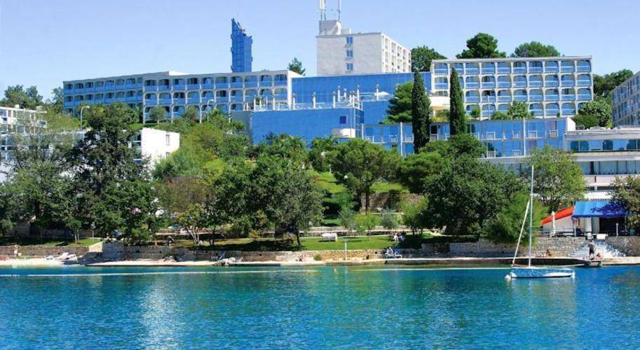 Laguna Gran Vista Hotel