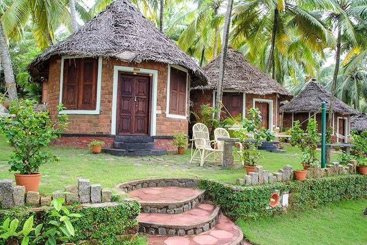 Manaltheeram Ayurvedic Beach Hotel