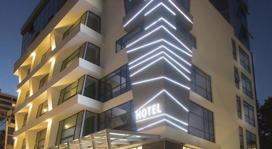 Отель Адриано