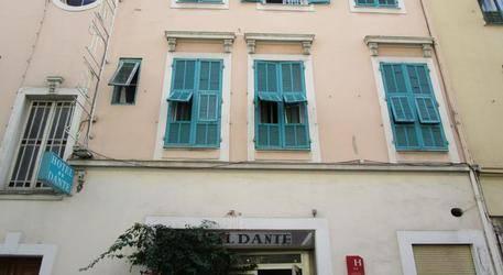 Dante Hotel 2*
