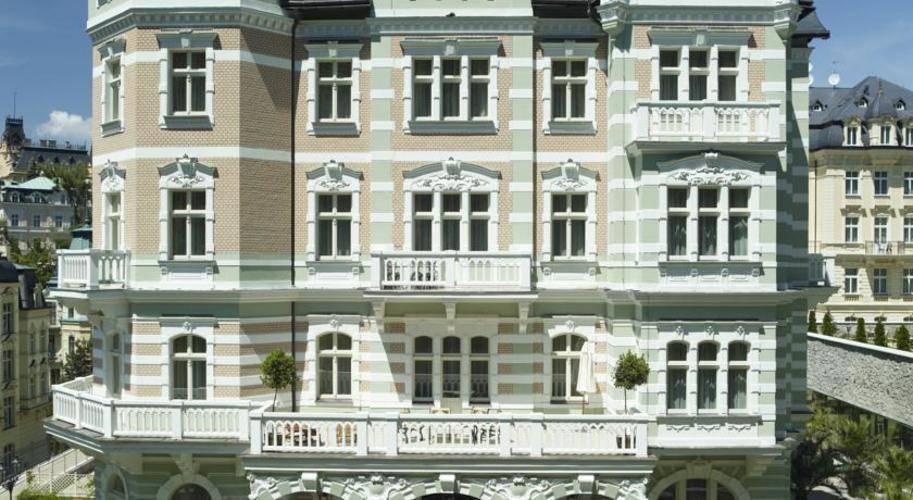 Savoy Westend Hotel