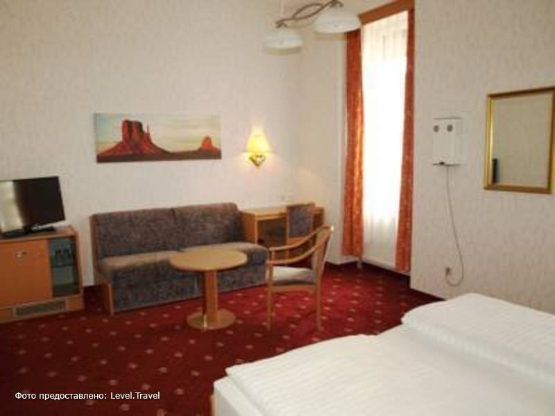 Фотография Admiral Hotel