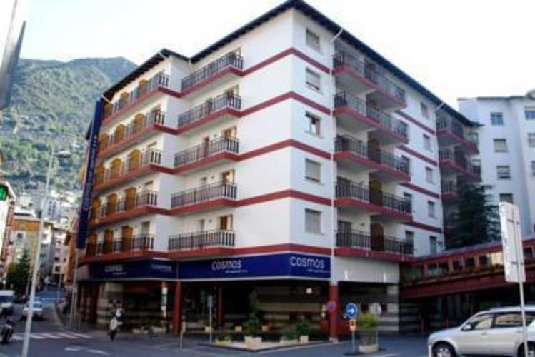 Cosmos Hotel & Aparthotel
