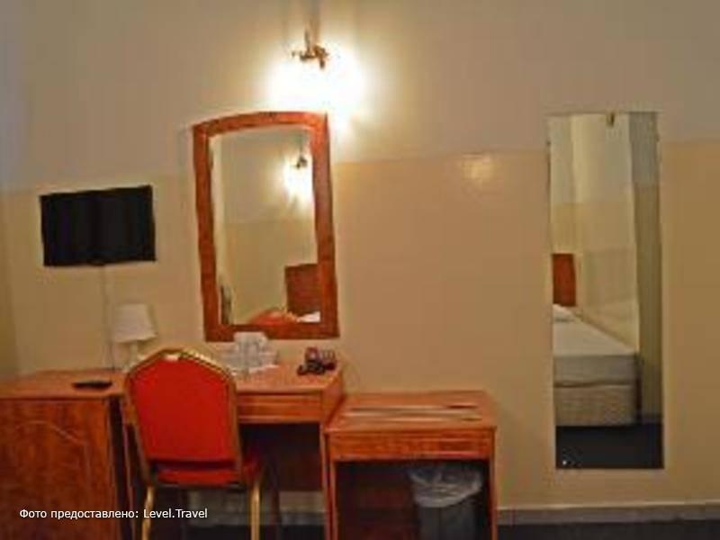 Фотография Queens Hotel Dubai