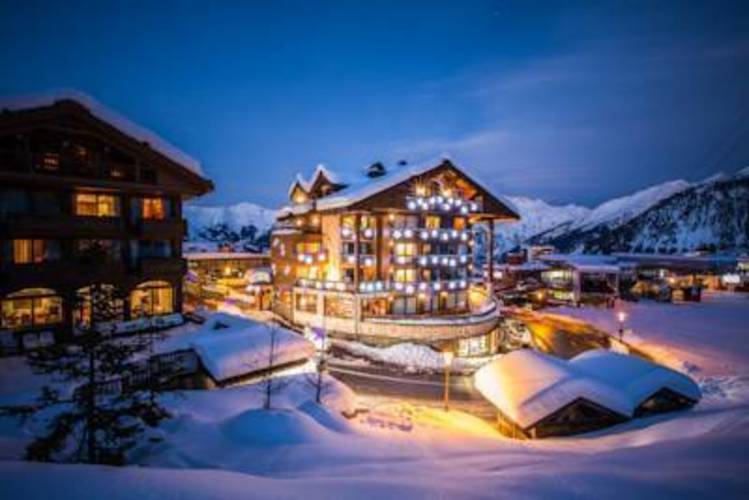 Loze Hotel