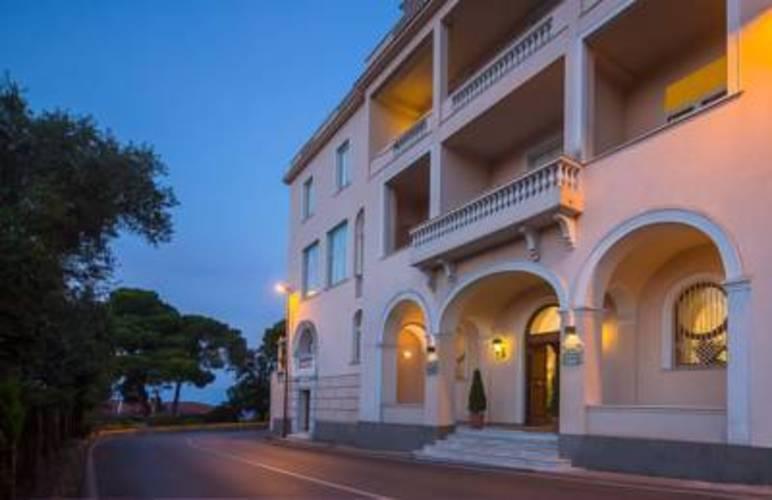 Miramare Residence