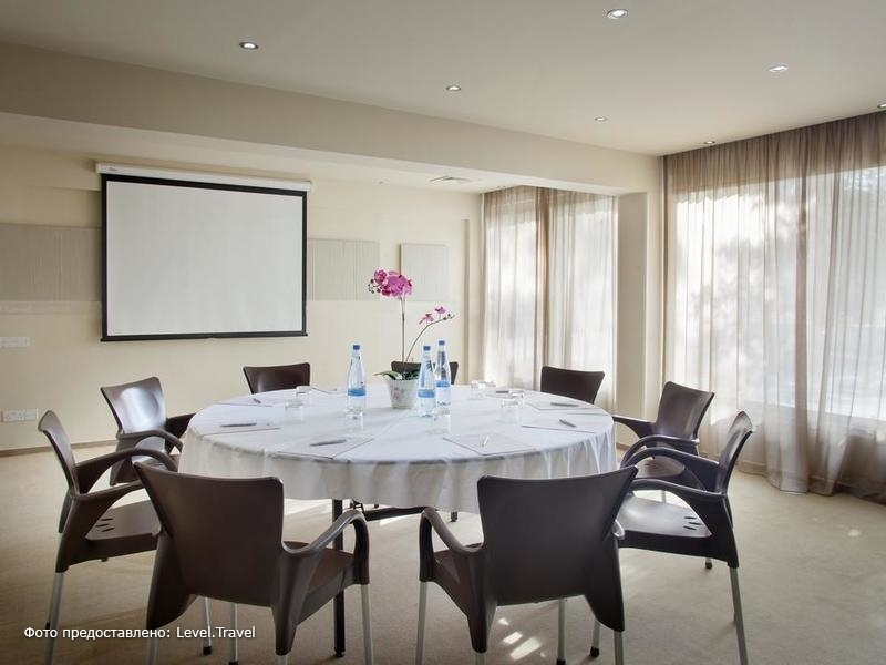 Фотография Almond Business Suites