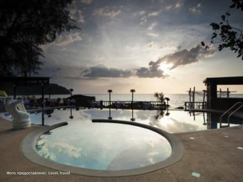 Фотография Khaolak Wanaburee Resort
