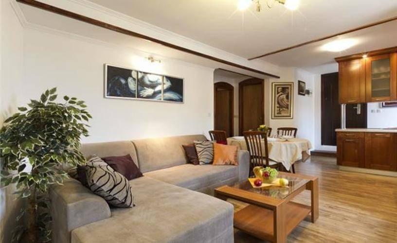 Nino Private Apartment