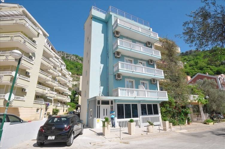 Apartments Plavi Biser