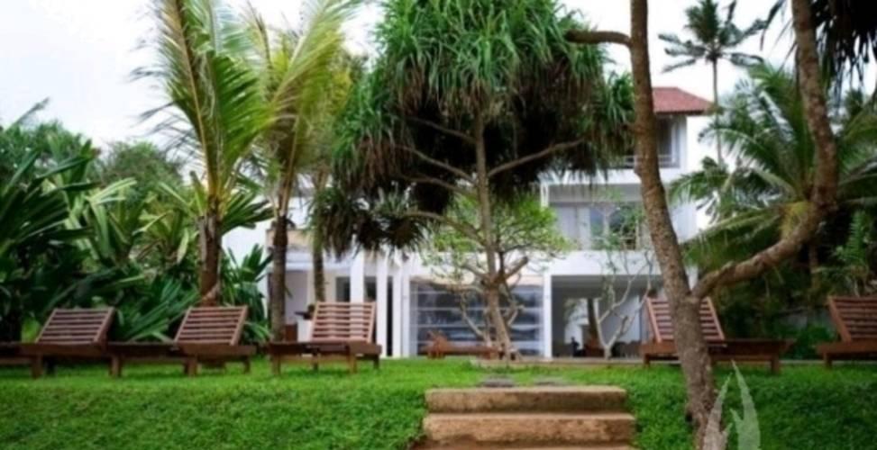 Roman Beach Villa