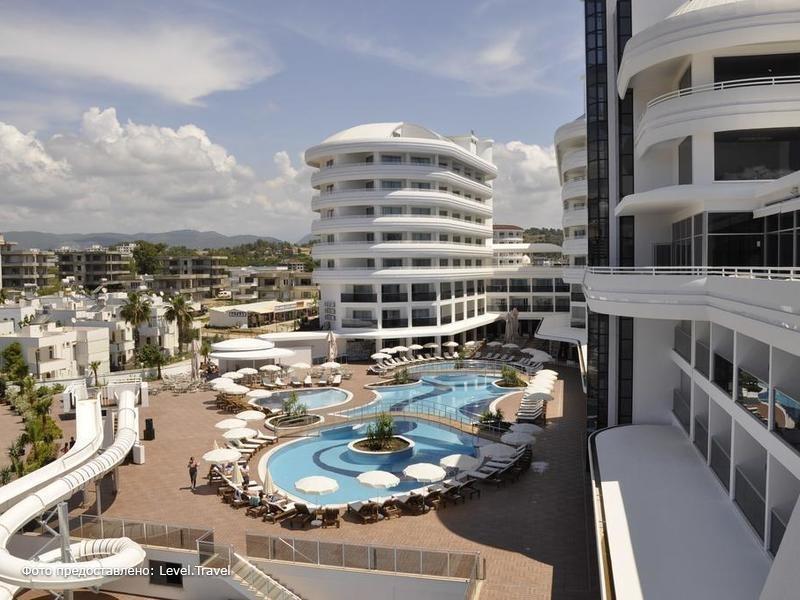 Фотография Laguna Beach Alya Resort & Spa