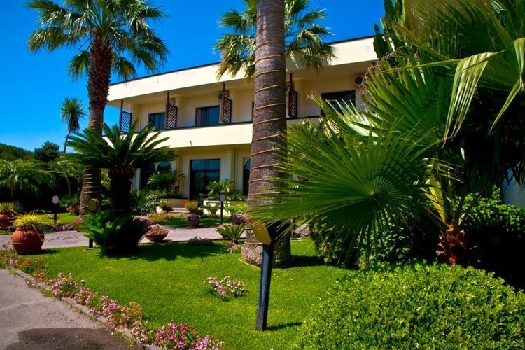Delfa Hotel