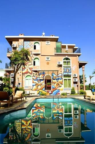 Phoenix Tree Villa