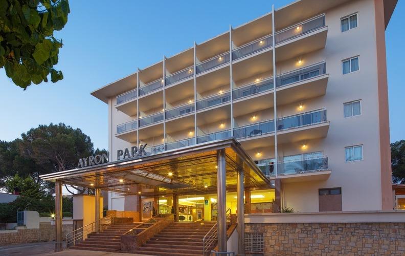 HM Ayron Park Hotel
