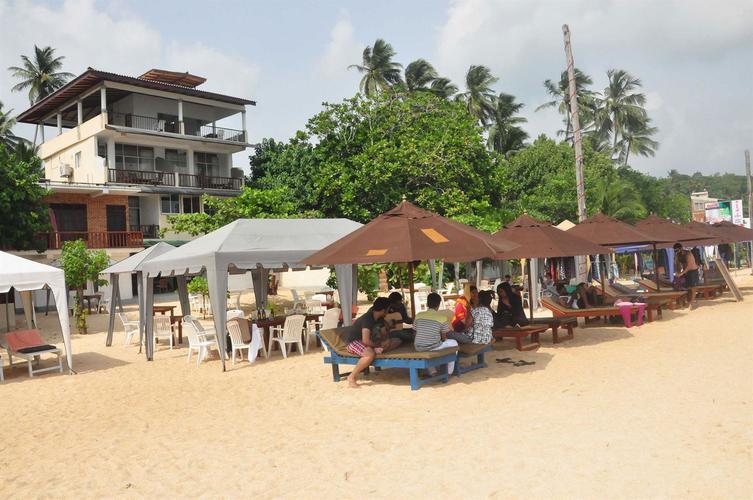 Wave Beach Resort