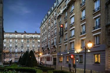 Ibis Clichy Centre Mairie 3*
