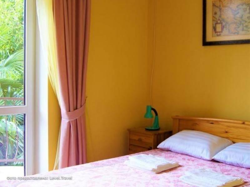 Фотография Отель Утомленные Солнцем