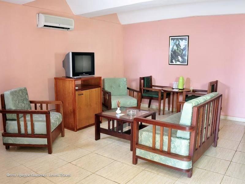 Фотография Hotel Playa Larga