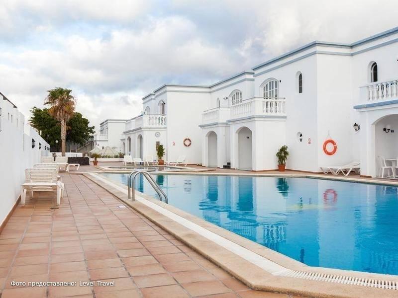 Фотография Corona Del Mar Apartments