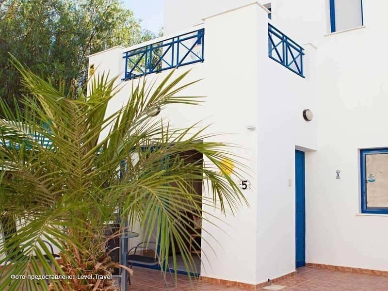 Фотография Flouressia Gardens & Villas