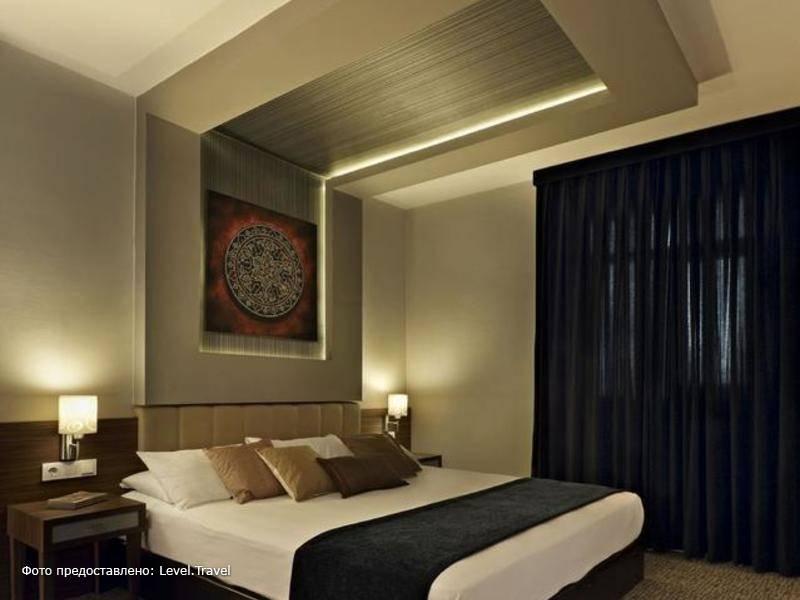 Фотография Ambassador Hotel