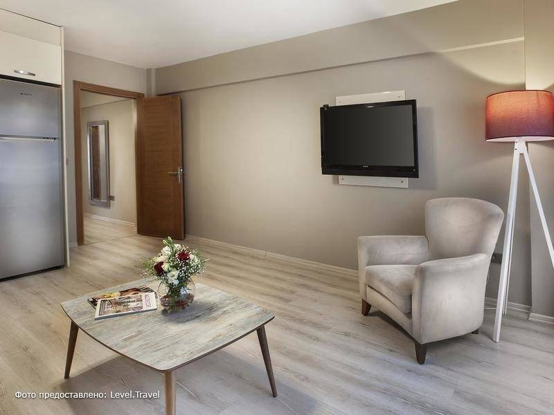 Фотография Blueway Hotel & Residence