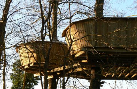 avis la croix du vieux pont la cabane en l 39 air plein sud. Black Bedroom Furniture Sets. Home Design Ideas