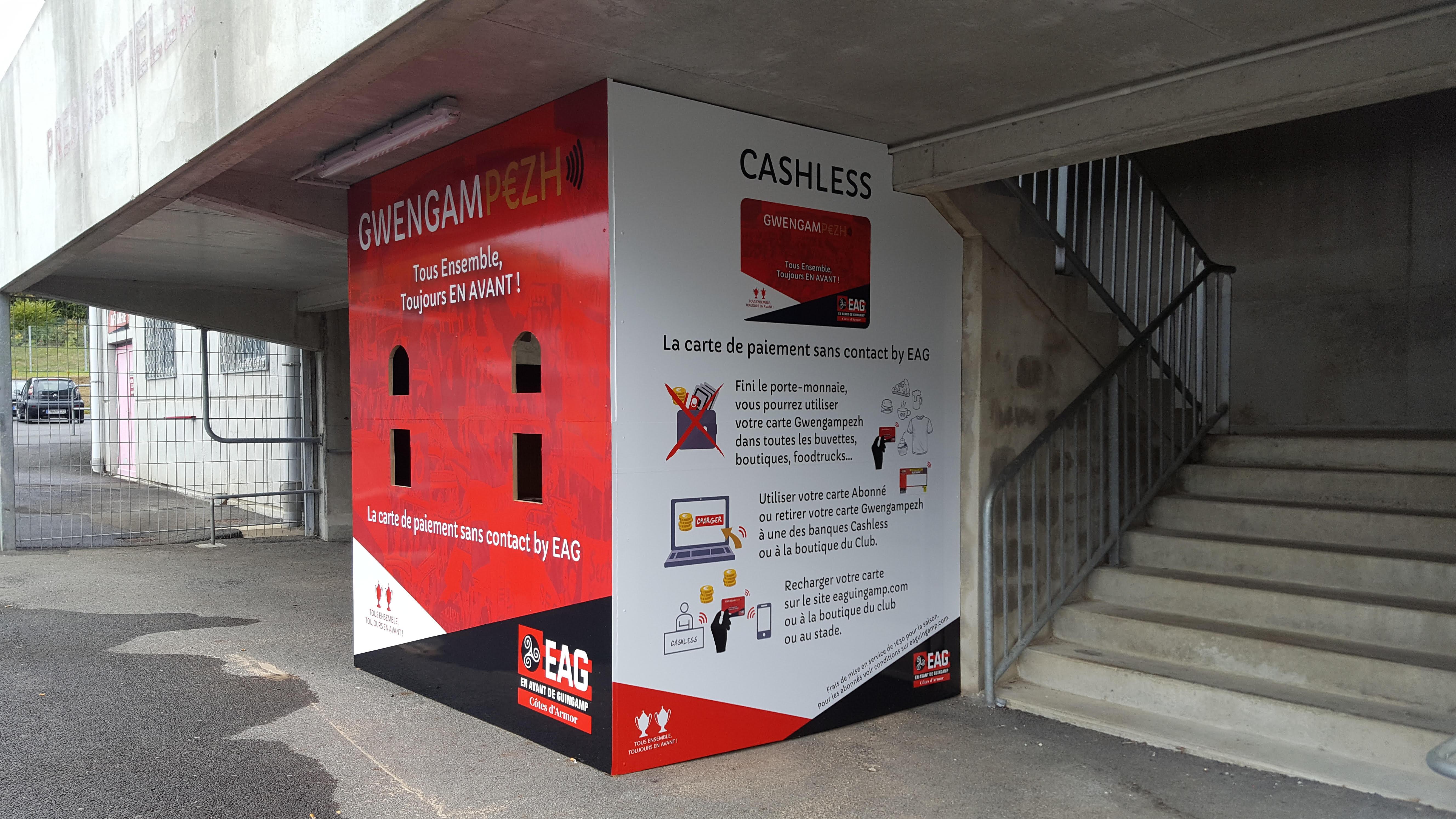 Une banque cashless au stade du Roudourou