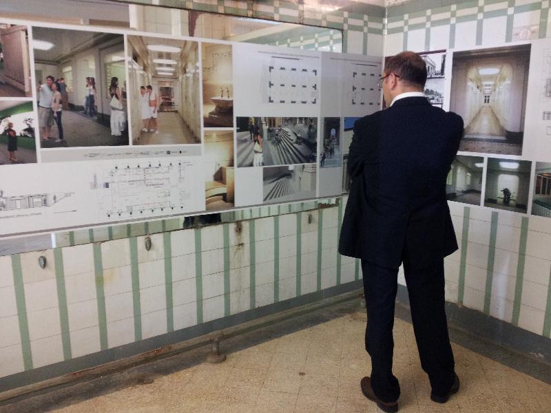 Porte finalmente aperte per gli storici bagni cobianchi - Porte per bagni pubblici ...