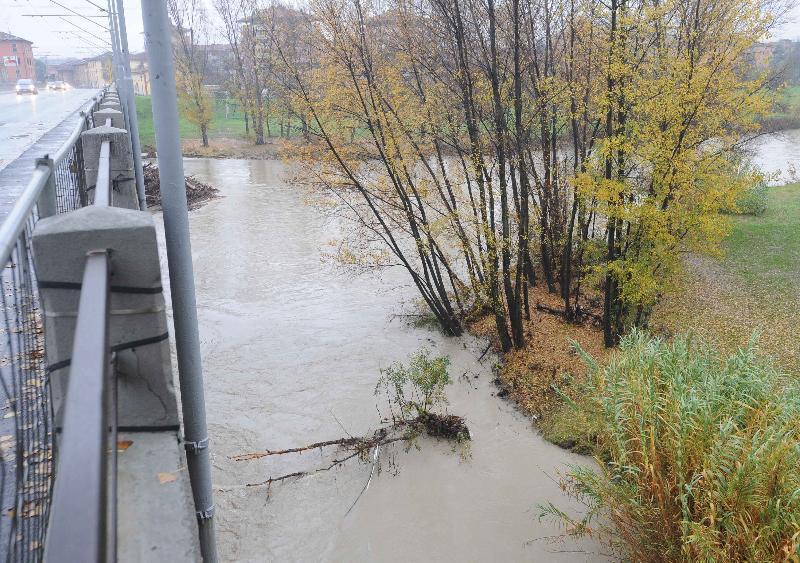 Maltempo, il fiume reno in piena tracimano il samoggia e il santerno