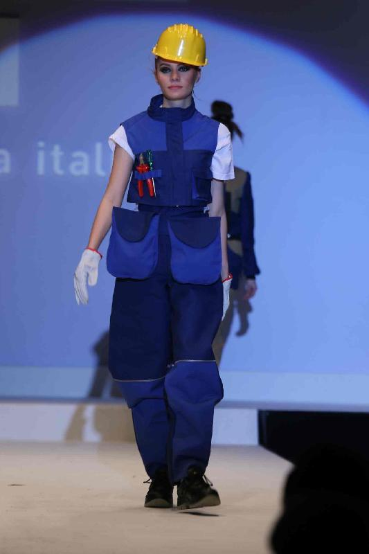 Sfilata dell 39 accademia italiana arte moda design grande for Accademia della moda milano