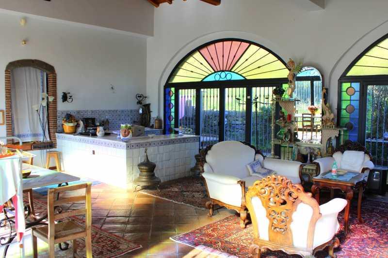 Lucio dalla annuncio online per vendere la villa sull for Registrazione preliminare di vendita