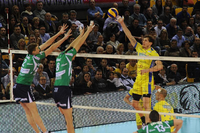 Casa modena ingresso trionfale in coppa italia il resto for Casa modena volley